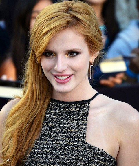 800px-bella_thorne_march_18_2014_cropped.jpg