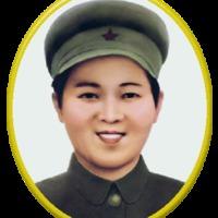 Egy ragyogó női élet a kommunizmus egén: Kim Dzsong Szuk