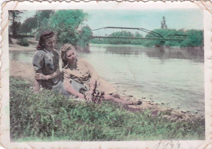 1945_marcius_25_magda_olga_2.jpg