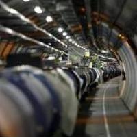 Újraindíthatják a nagy hadronütköztetőt