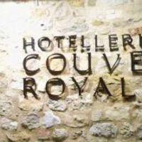 Kolostorban aludni: Le Couvent Royal