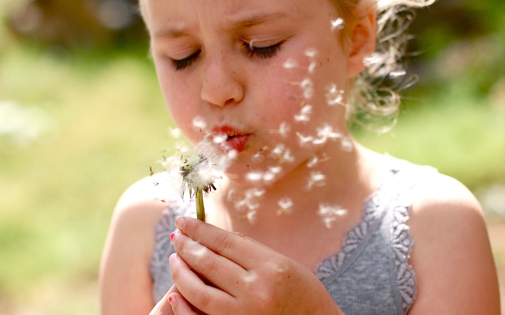 girl_child_face_dandelion_flower_54717_1680x1050.jpg