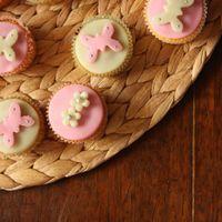 Tavaszi marcipános cupcake-ek