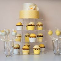 Sárga pöttyös esküvő