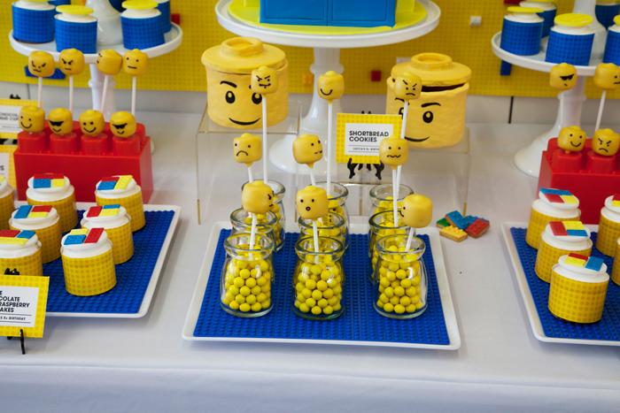 Lego_Party_Cakepops.jpg