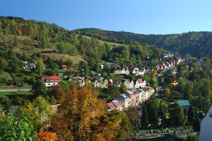 Mi köze a dollárnak Karlovy Varyhoz?