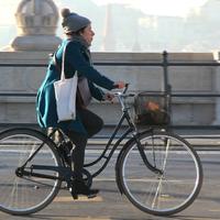 Magas sarok, vintage bringa, pompom -> tél