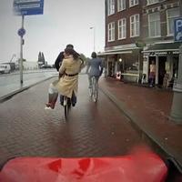A holland csomagtartó ugrás