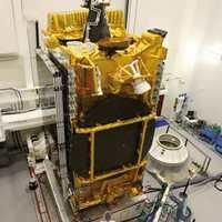 Műhold-reciklálás: szélessávot az Antarktisznak