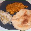 Egy hatás alatt álló nő - Csirke curry naan-nal