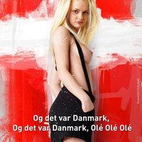 Tuti, hogy dán ez a durcás félmeztelen csaj?