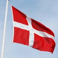 Csak bot és vászon, de nem bot és vászon, hanem zászló