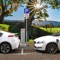 Világszerte tovább szárnyal az elektromos autók piaca