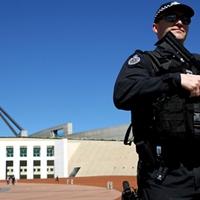 Rendpárti szigorúság terjed Ausztráliában