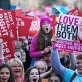 Az abortusz ellen tüntettek Írországban