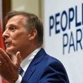 Bevándorlás-ellenes jelölt is vitázhat Kanadában