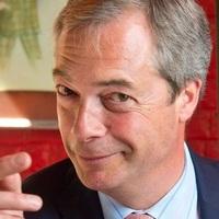 Nigel Farage újra a politika színpadán