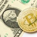 Kockázat és haszon – megfér-e egymás mellett a bitcoin és a dollár?