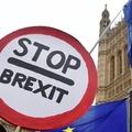 Hatmillió aláírás felett jár a Brexit eltörlése melletti petíció