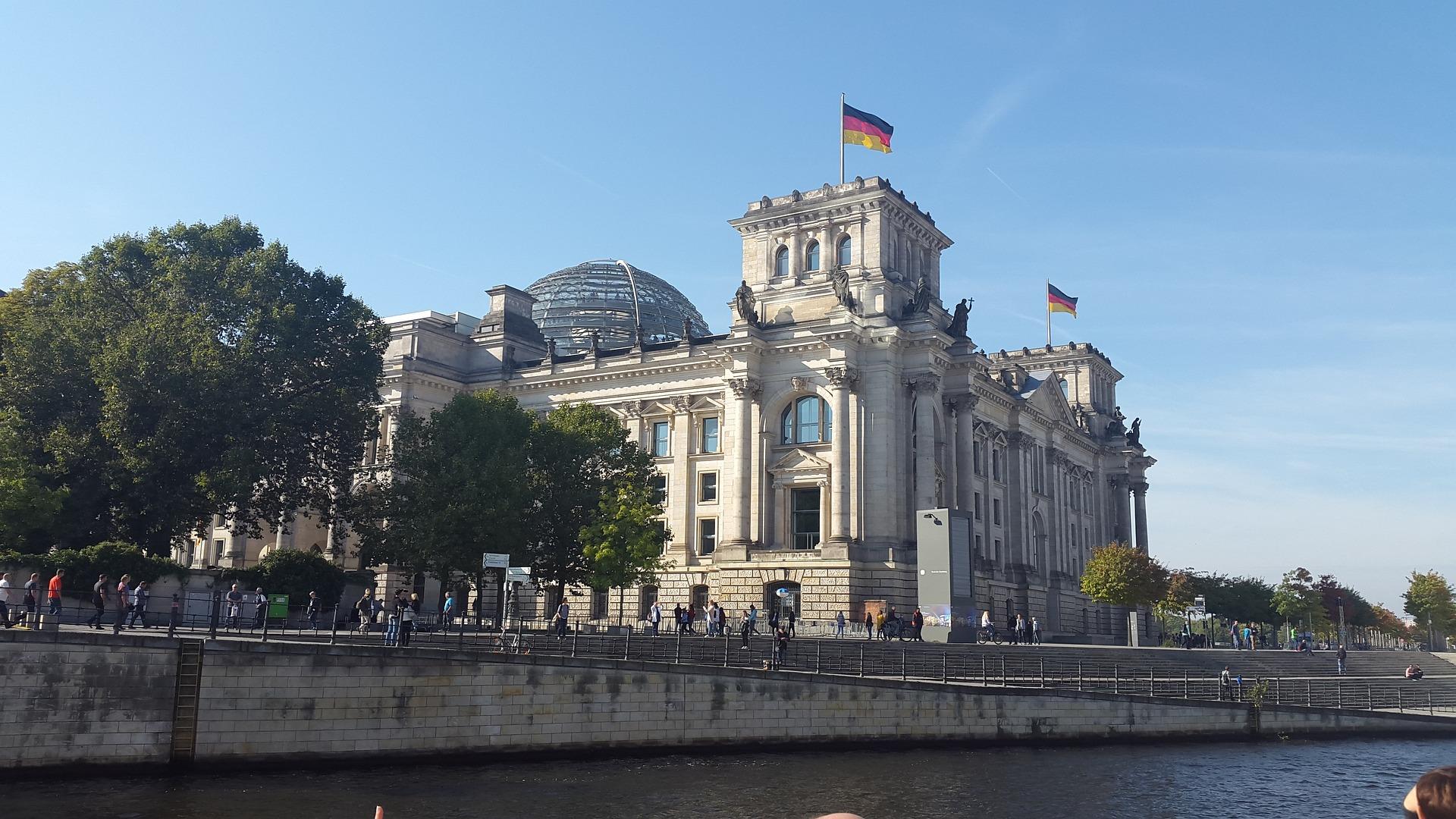 berlin-2818670_1920.jpg