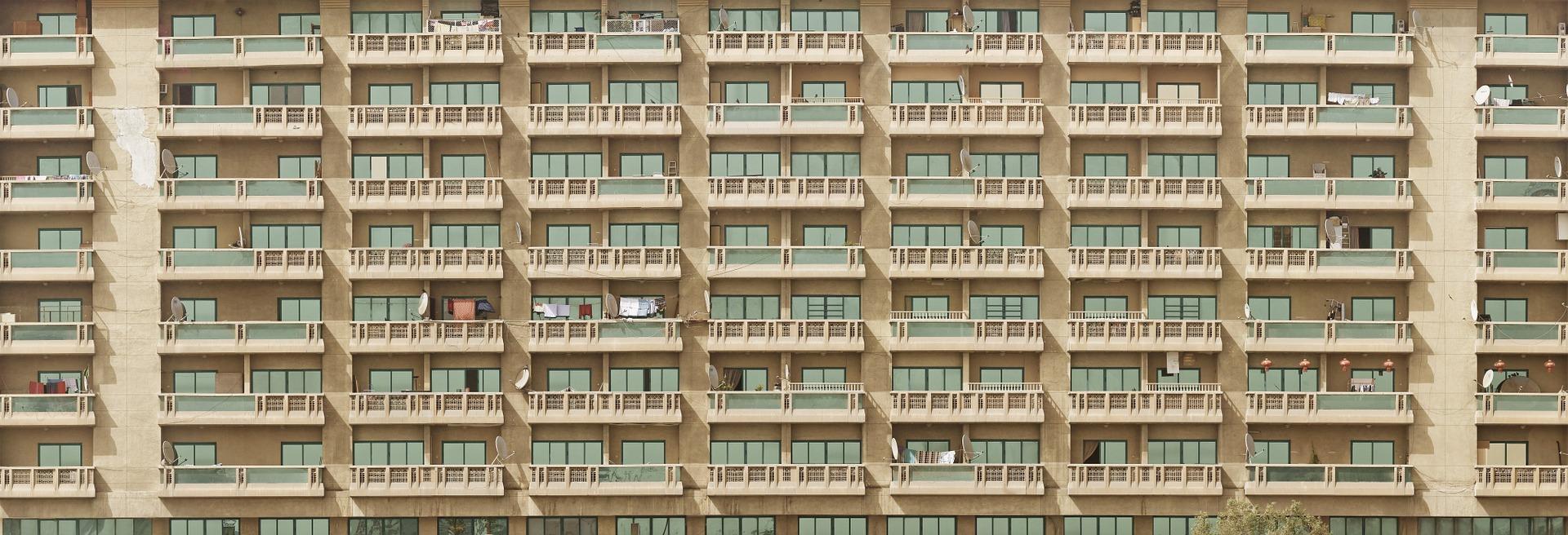 facade-1209331_1920.jpg