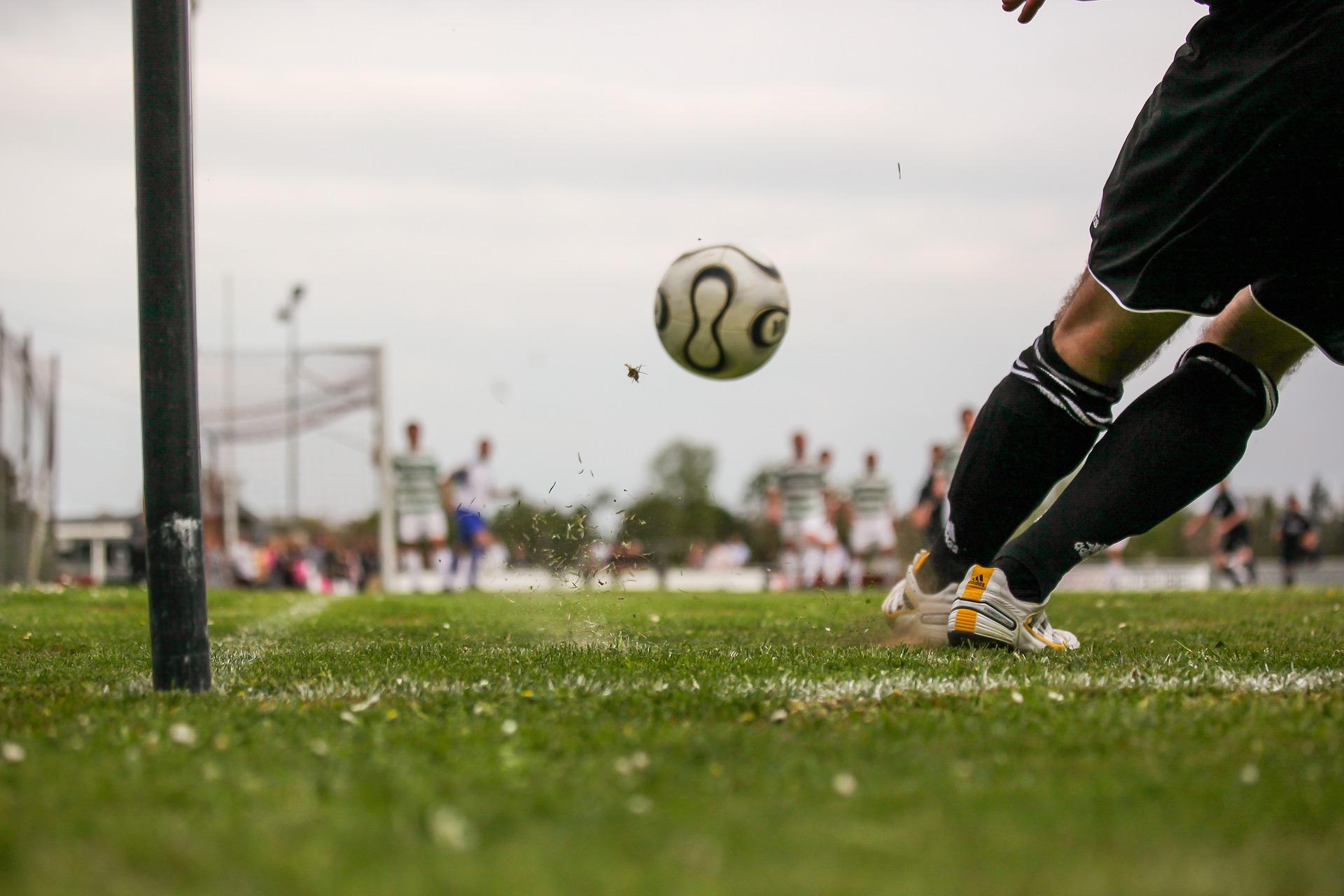 football-1678992_1920.jpg
