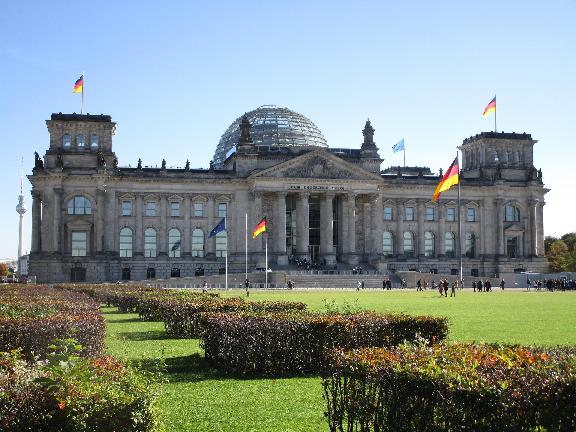 reichstag-building-2838571_1920.jpg