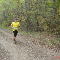 Egy Futó Daru az aszfaltmentes Oxigén Maratonon