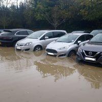 Sok százezres kárt okozhat autónkban, ha túl mély vízbe hajtunk