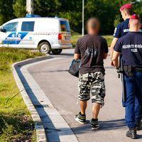 Bérelt autókkal bukott le a magyar banda