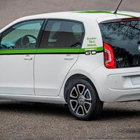 Volkswagen e-up kocsikat kínál a GreenGo