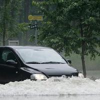 Ez történik az autónkkal vízkár után