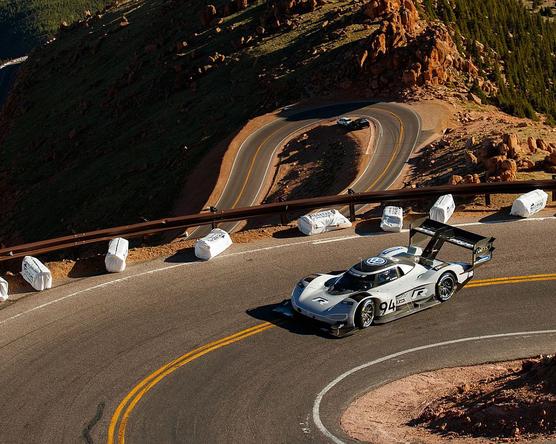 VW pályacsúcs a Pikes Peaken