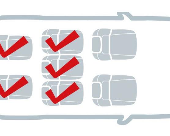 Ezekben a kocsikban fér el öt gyerekülés
