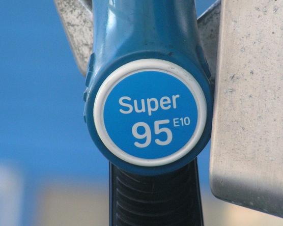 Ezekbe a modellekbe ne tankoljon E10 benzint!