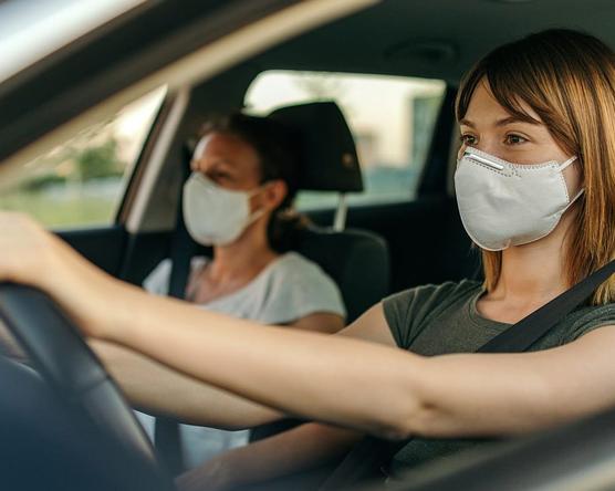 Így autózzon járvány idején