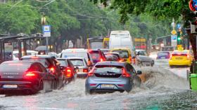 Ha elönti a víz az utakat, csak bizonyos helyzetekben fizet a biztosító