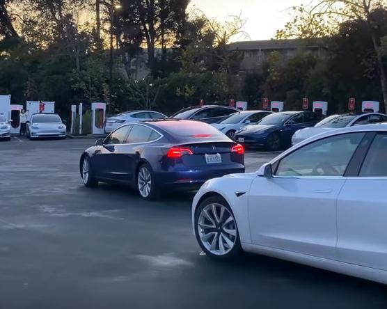 Murphy-esemény a Tesla szupertöltővel