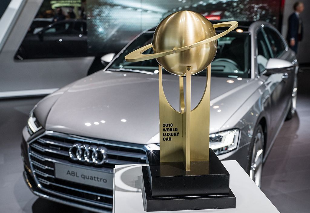 audi-a8-world-luxury-car-of-the-year_v.jpg