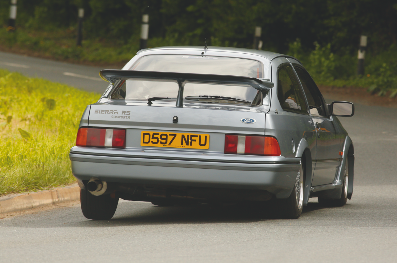 classic_ford_sierra_rs_cosworth_m.png