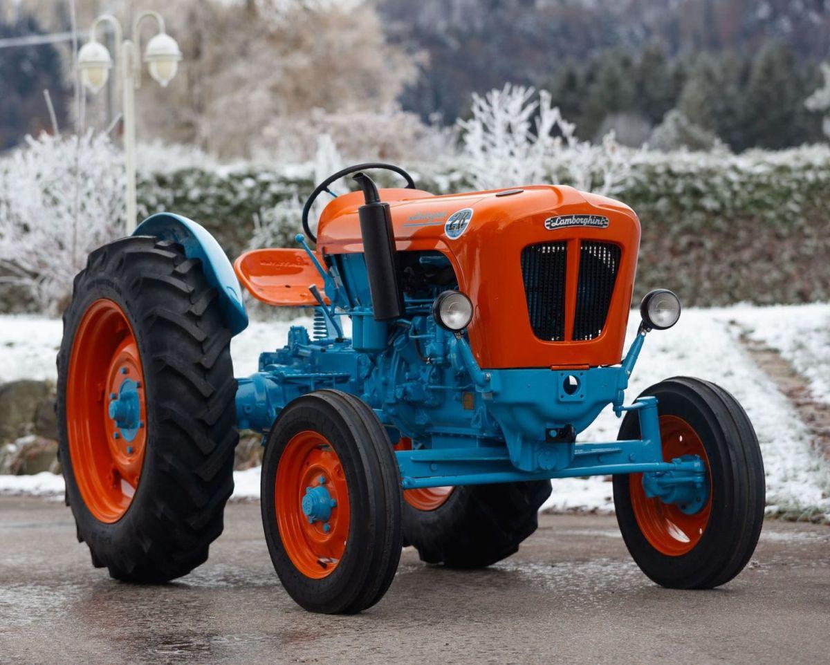 lamborghini-tractor-2-r_m.jpg