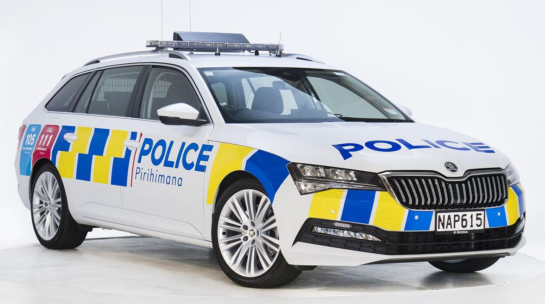 new-zealand-police_superb-1_m.jpg