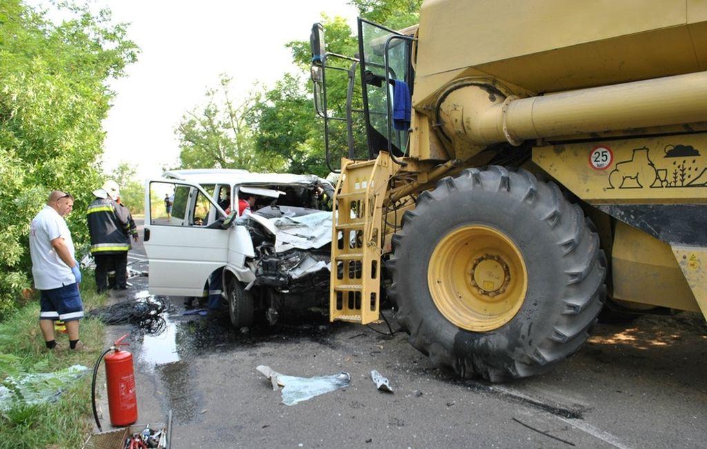 traktor_az_uton2_m.jpg