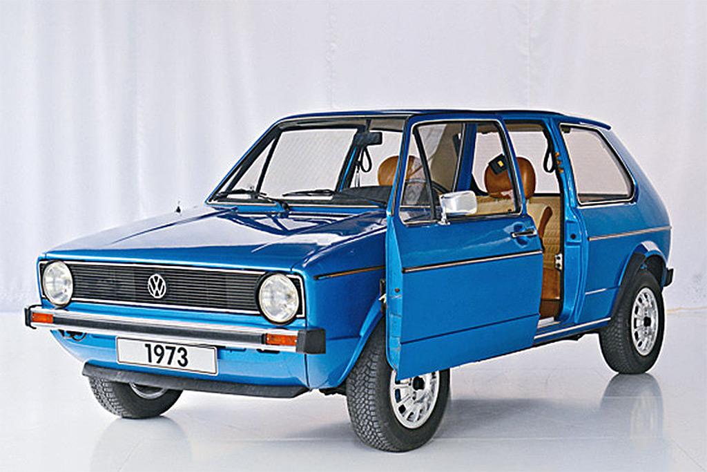 volkswagen_golf_1973_schuifdeur.jpg