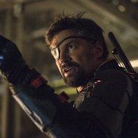 BRÉKING: Manu Bennett visszatér Deathstroke szerepébe!