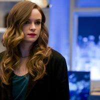 Caitlin anyja visszatér a The Flash ötödik évadában
