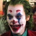 Joaquin Phoenix Jokerként bont rendet a forgatáson