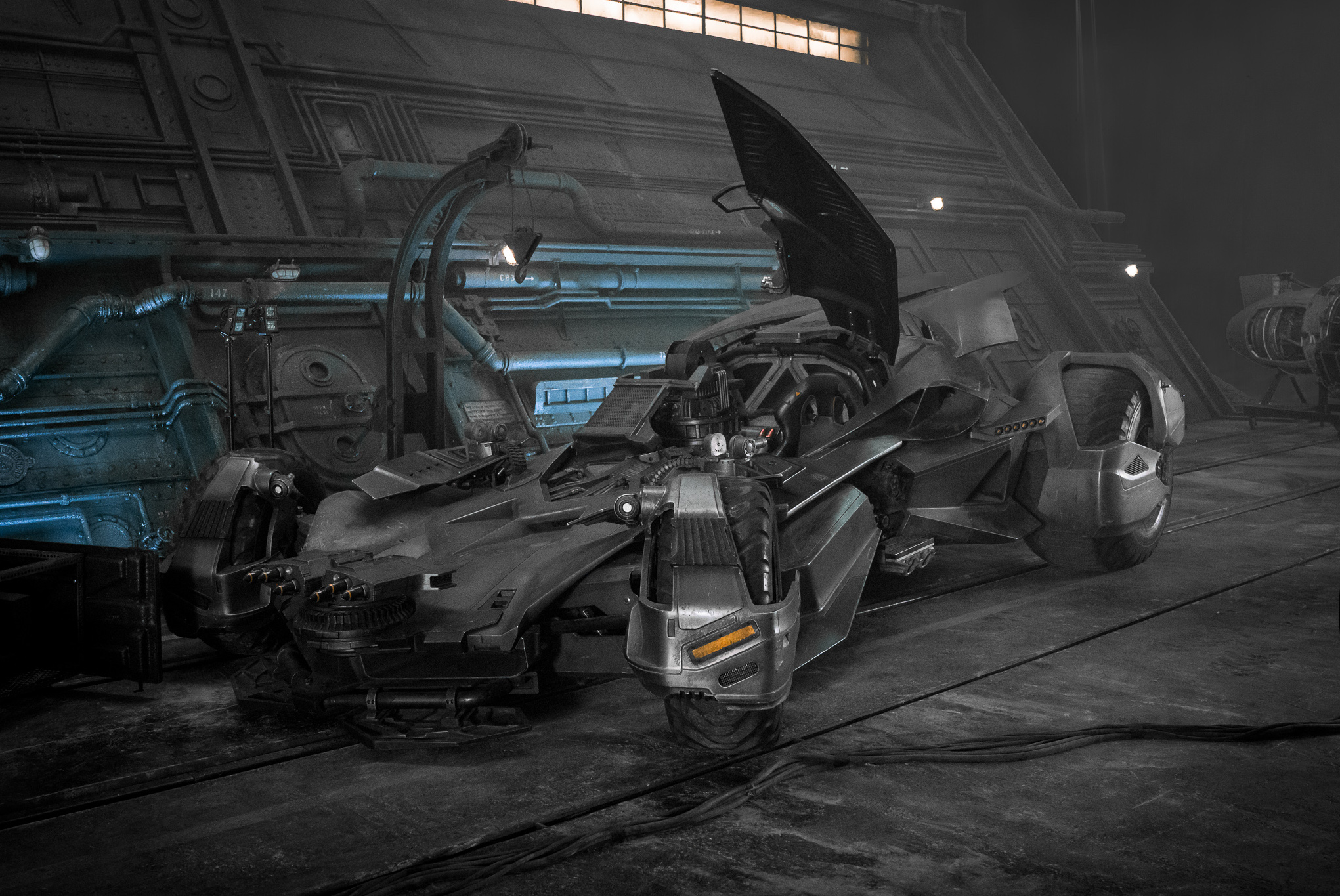 justice-league-batmobile.jpg