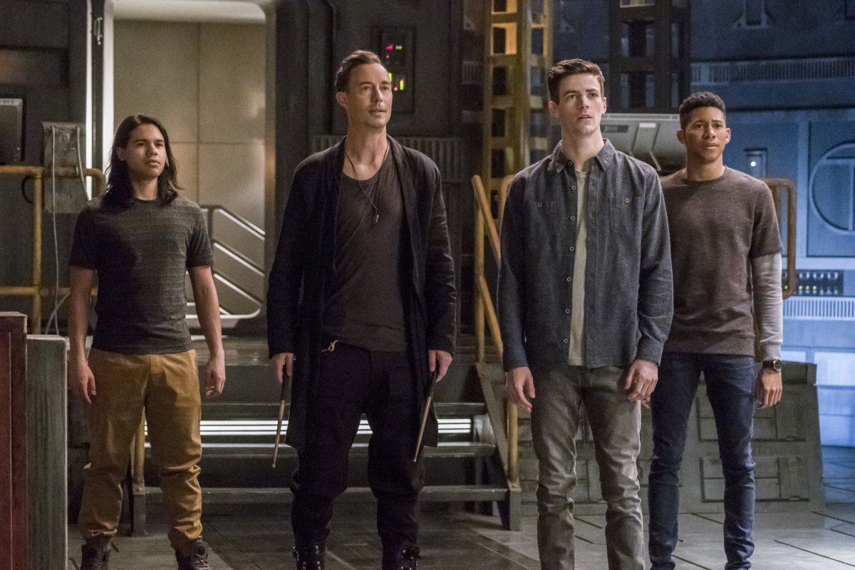 The Flash -- 'Duet' -- FLA317a_0081b.jpg -- Pictured (L-R): Carlos Valdes as Cisco Ramon, Tom Cavanagh as Harrison Wells, Grant Gustin as Barry Allen and Keiynan Lonsdale as Wally West -- Photo: Katie Yu/The CW -- © 2017 The CW Network, LLC. All rights reserved.