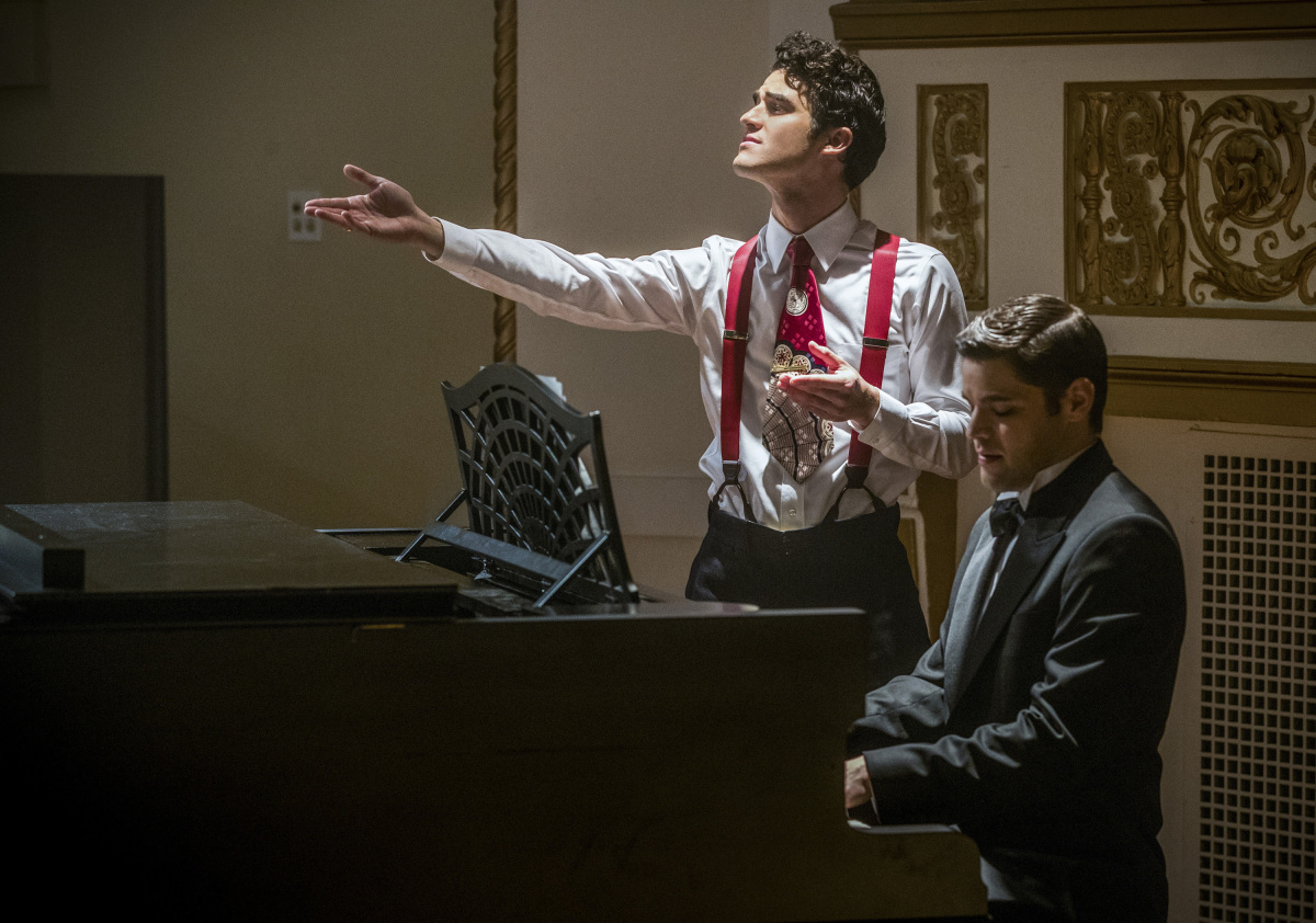 The Flash -- 'Duet' -- FLA317b_0012b.jpg -- Pictured (L-R): Darren Criss as Music Meister and Jeremy Jordan as Winn Schott -- Photo: Jack Rowand/The CW -- © 2017 The CW Network, LLC. All rights reserved.